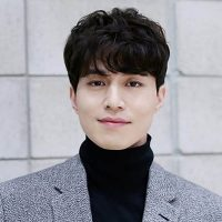 Lee Dong Wook 400x400